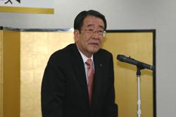 式辞を述べる國枝社長