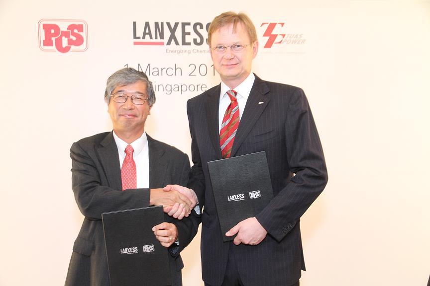 PCS社の米村氏(左)とハイトマンCEO
