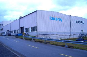 KEG(トロイスドルフ)のPVBフィルム生産設備外観