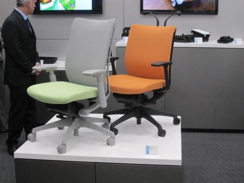 ウルトラミッドを使用したオフィス椅子