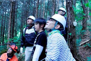 【森林整備活動の様子】