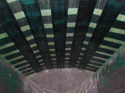 炭素繊維シートによる橋梁床版補強例