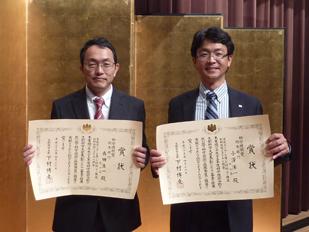 左 イノベーション本部長 森田浩一 右 タイヤ材料開発第一本部兼フェロー 小澤洋一