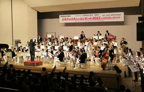 「玉名チャリティーコンサート2013」での金賞2団体による共演