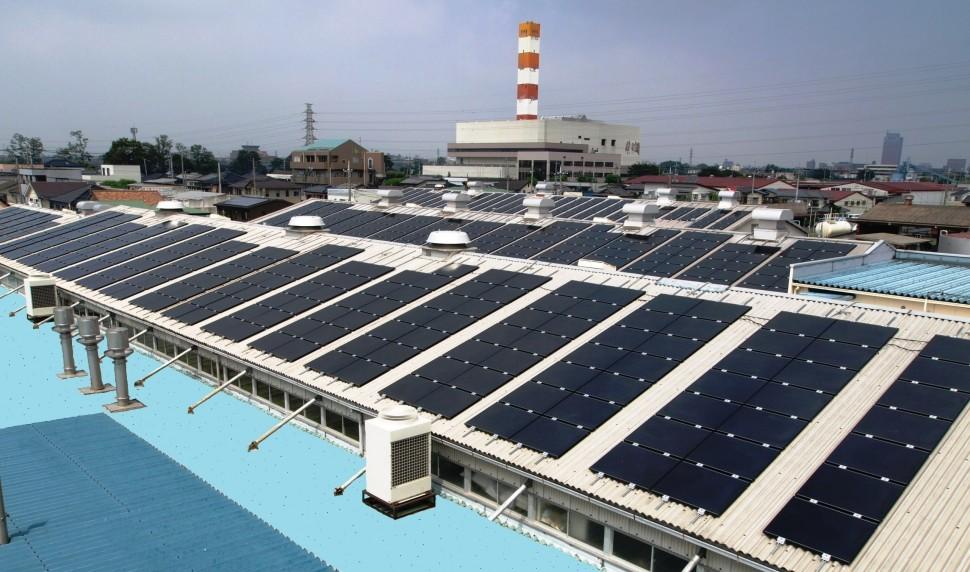 前橋工場・太陽電池モジュール