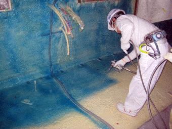 「ノバレタンNコート」の床面への吹き付け作業