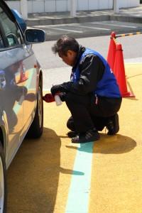 海老名サービスエリアでのタイヤ点検を実施(横浜ゴム)