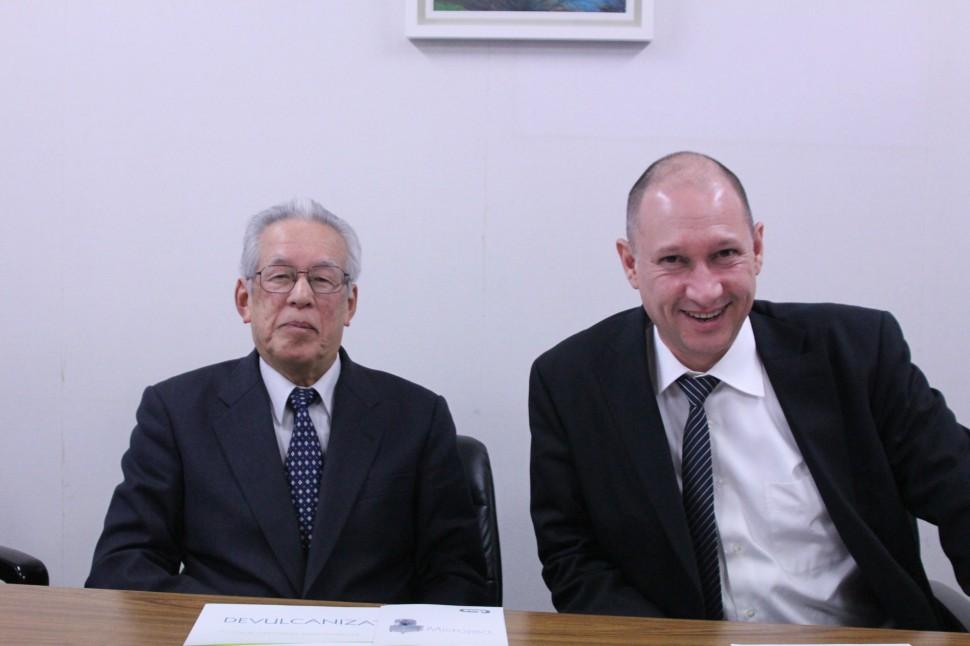増田社長とREP社アジア担当Mr. Pascal Consolaro