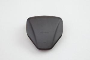 熱可塑性エラストマーの採用例 (エアバックカバー)