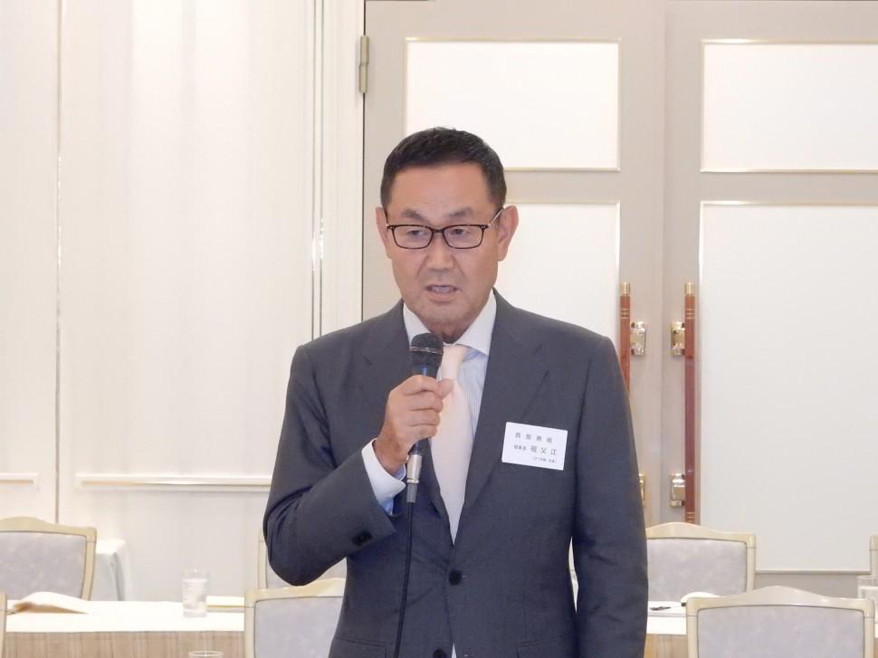 あいさつする代表幹事の祖父江西部ゴム理事長