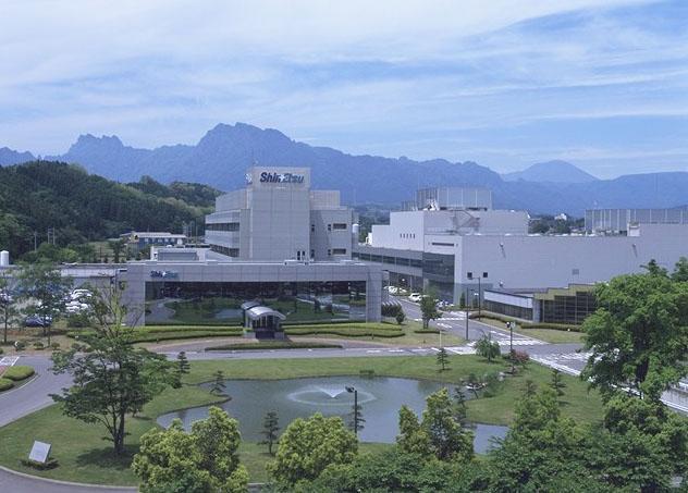 新研究棟が建設されるシリコーン電子材料技術研究所