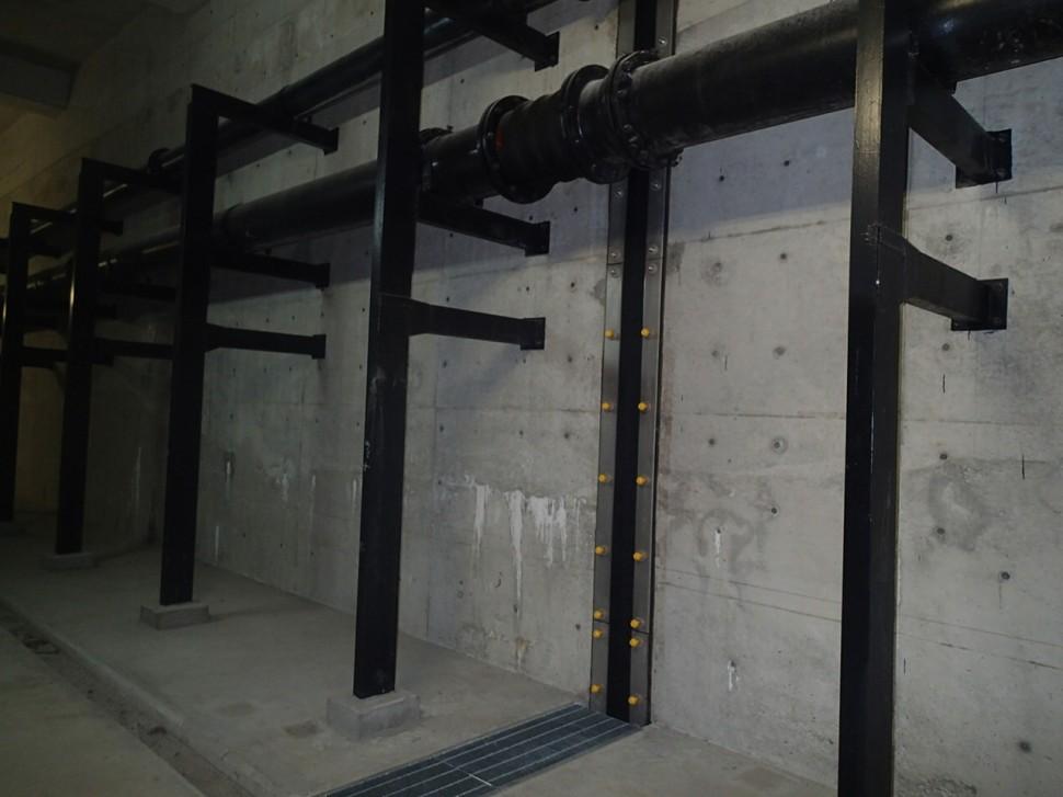 下水処理場管廊での施行例