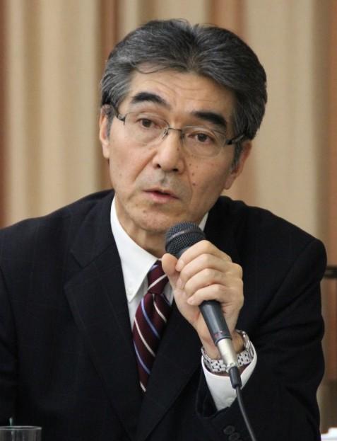 質疑応答で質問に答える齋藤経営企画部長