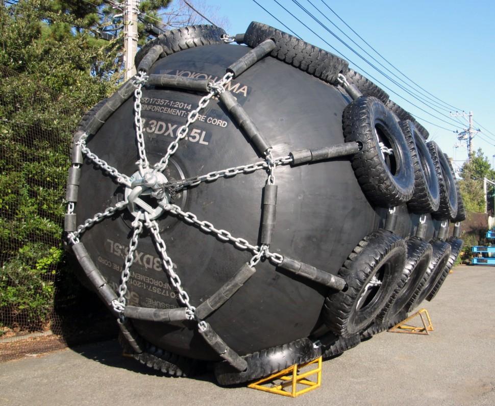 横浜ゴムの空気式防舷材
