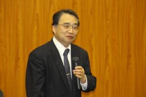 中小企業の経営について講演する古田土講師