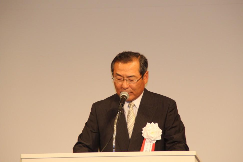 現況を述べる藤岡会長