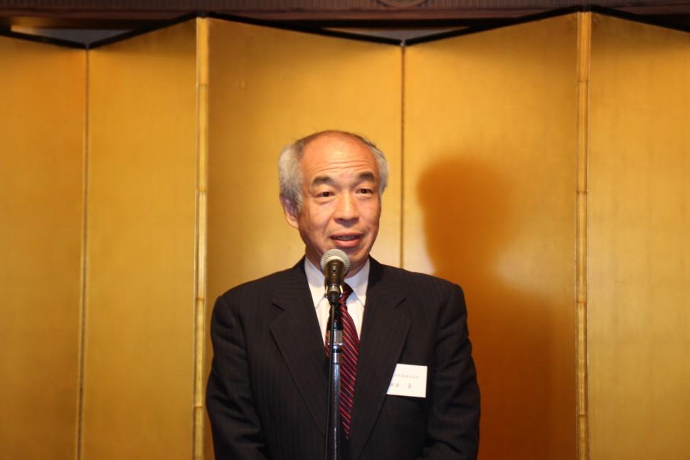免震実験装置の必要性を述べる和田会長