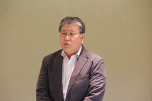 総会であいさつする松本会長