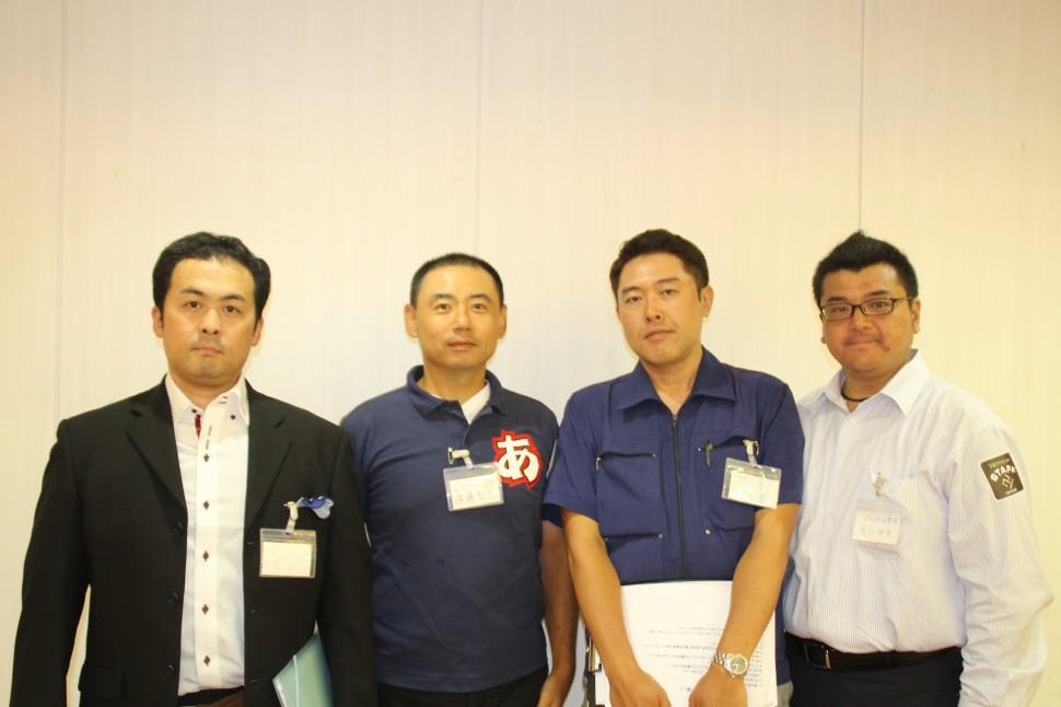 左から精工パッキングの平井氏、日興エボナイト製造所の遠藤氏、太陽ゴム工業の牧野氏、タグチゴムの田口氏