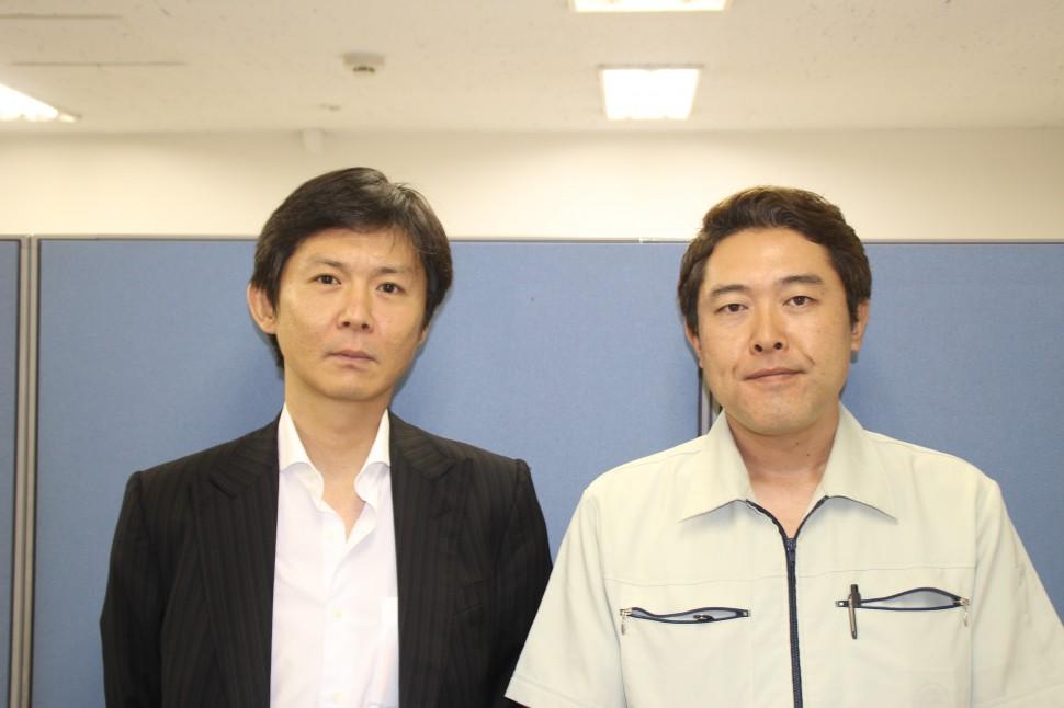 左が伸光ライフサポート中川社長と太陽ゴム工業の牧野常務取締役