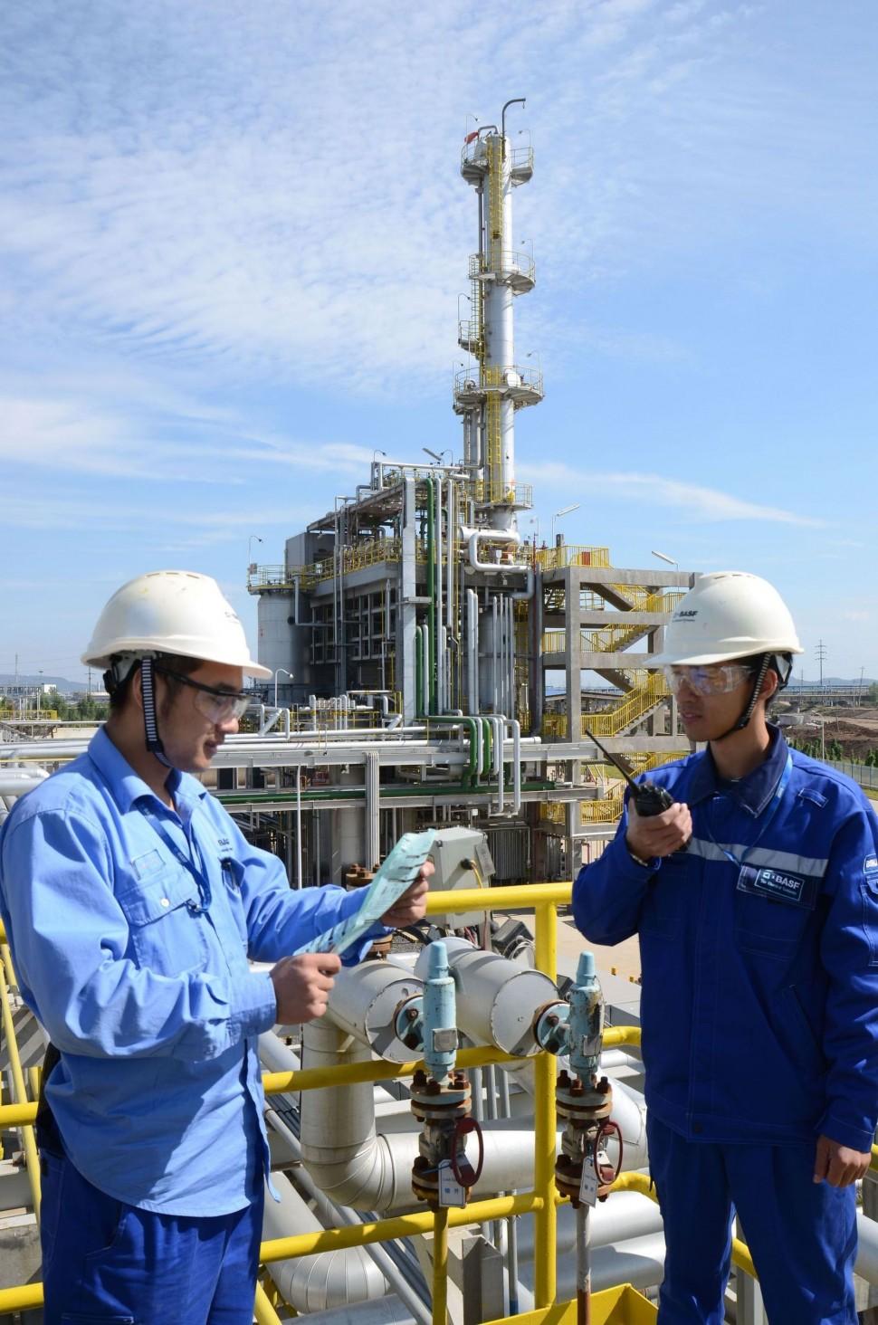 生産能力を増強した南京のターシャリーブチルアミン工場