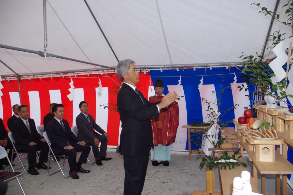 長野豊丘工場新建屋鍬入れ式に出席した野地社長