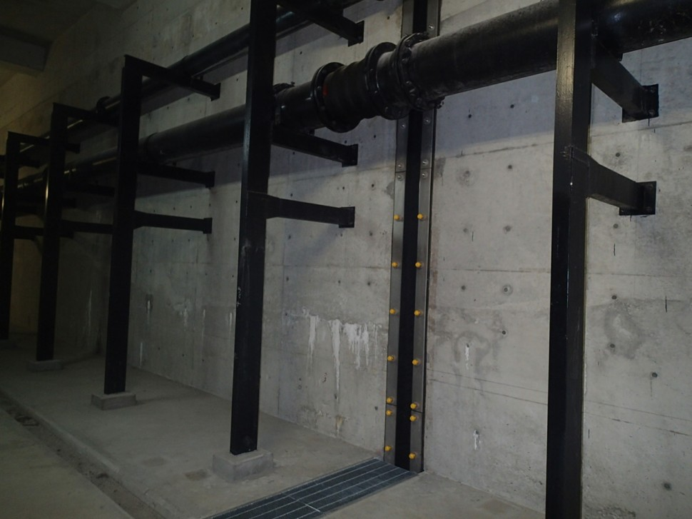 シバタ_下水処理場管廊での施行例