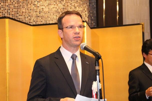 フォルボ・インターナショナル・香港・アジアパシフィック社長のオリバー・シュッテ氏が抱負を述べた