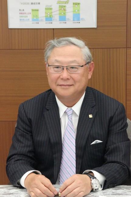 新田元庸 代表取締役社長