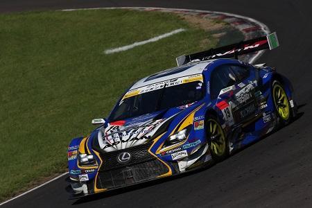 SUPER GT/GT500 全戦入賞を果たした「LEXUS TEAM WedsSport BANDOH」の「LEXUS RC F」(2015年)