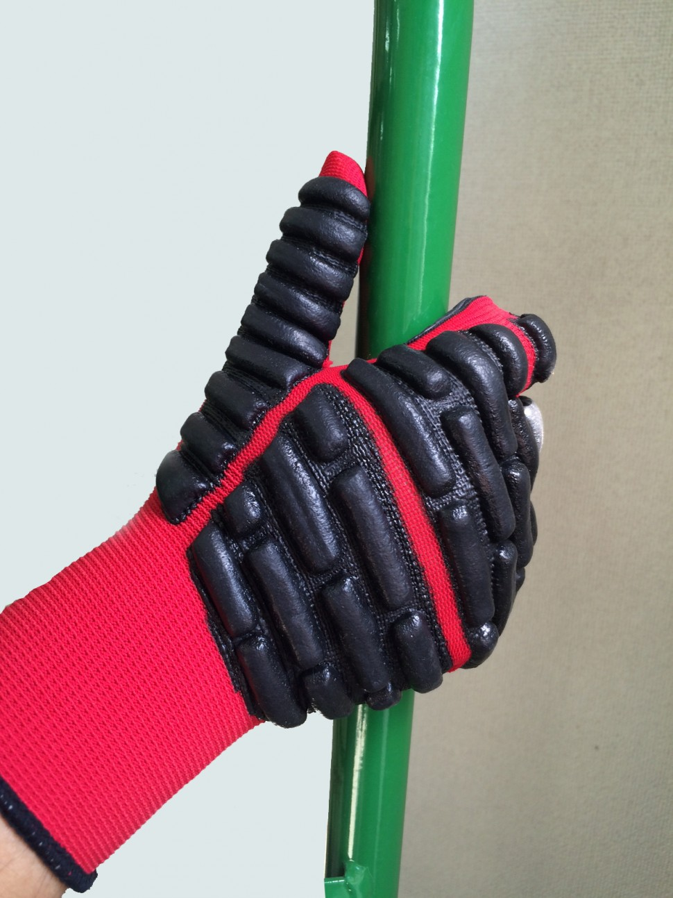 ロールボックスパレット用保護手袋「拳護(けんご)」