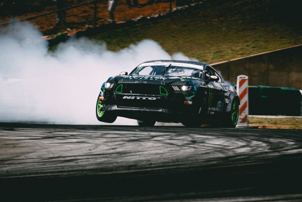 【動画】ニットータイヤ 360 VR Track Walk-Through with Vaughn Gittin Jr. at 2016 Formula Drift Road Atlanta