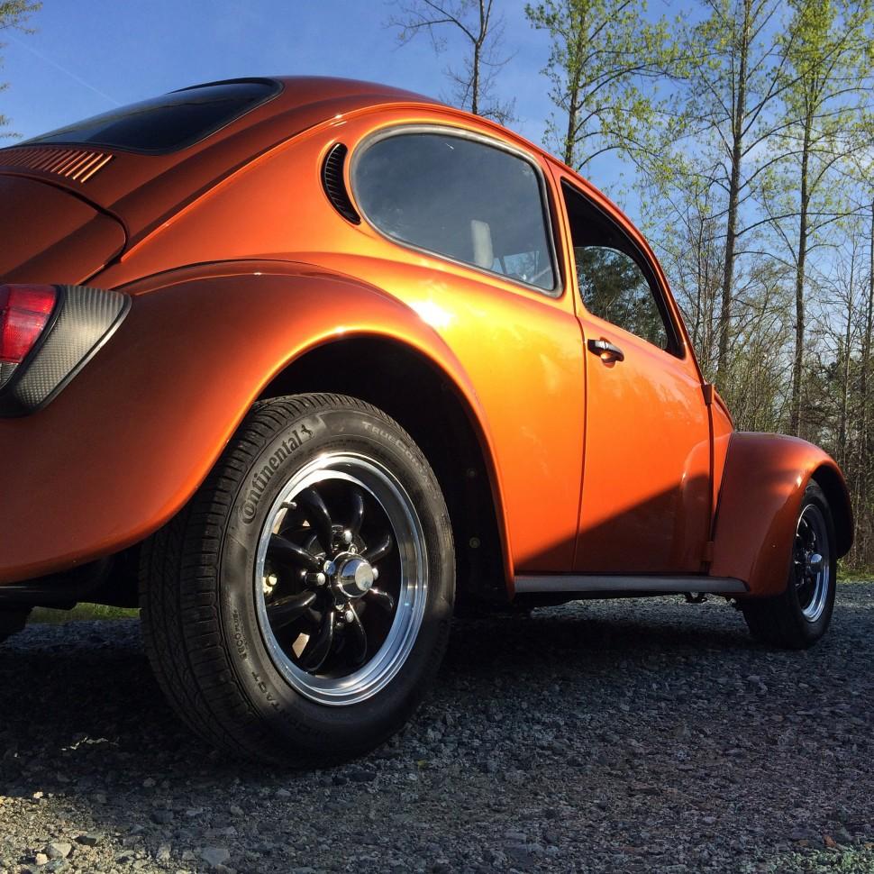 【動画】コンチネンタルタイヤ Colin Braun's Classic Beetle Rolls on TrueContact Tires