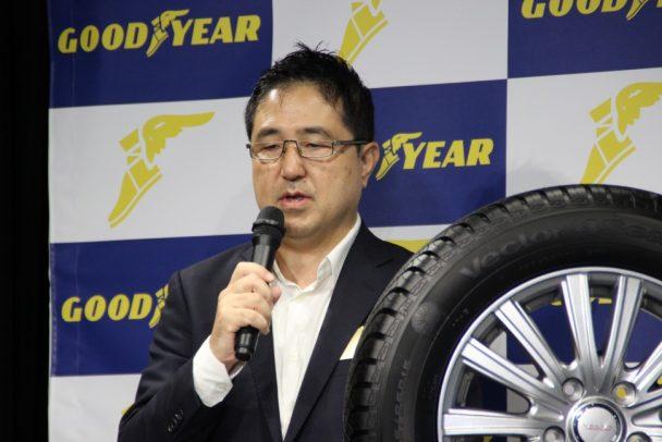 「ベクター4シーズンズハイブリッド」の性能について語る松崎技術本部長