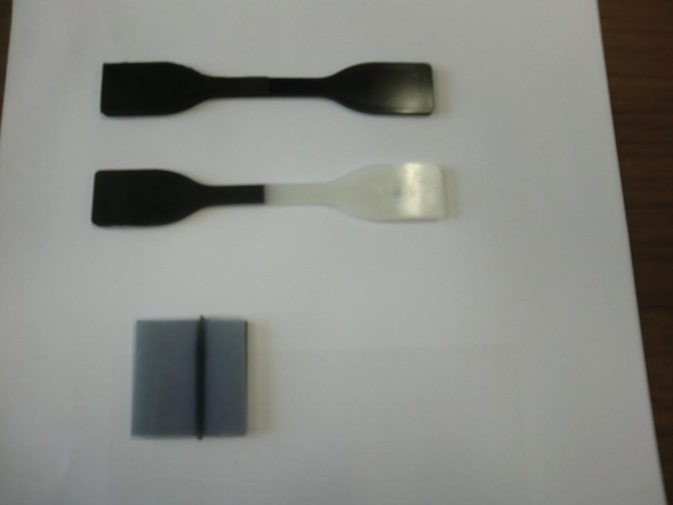 上 左・アクティマーHT、右66ナイロン(ガラス30%入り)。密着。  下 左・アクティマーHT、右6ナイロン。レーザー接着。