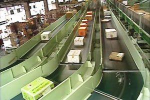 物流倉庫で使用される樹脂ベルト