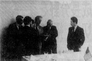 ゴム労連がURWと交流会(1974年)右側は松本労連委員長、中央はボンマリートURW委員長