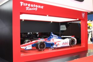 ファイアストーンのタイヤを装着した「インディーカー・シリーズ」の車両