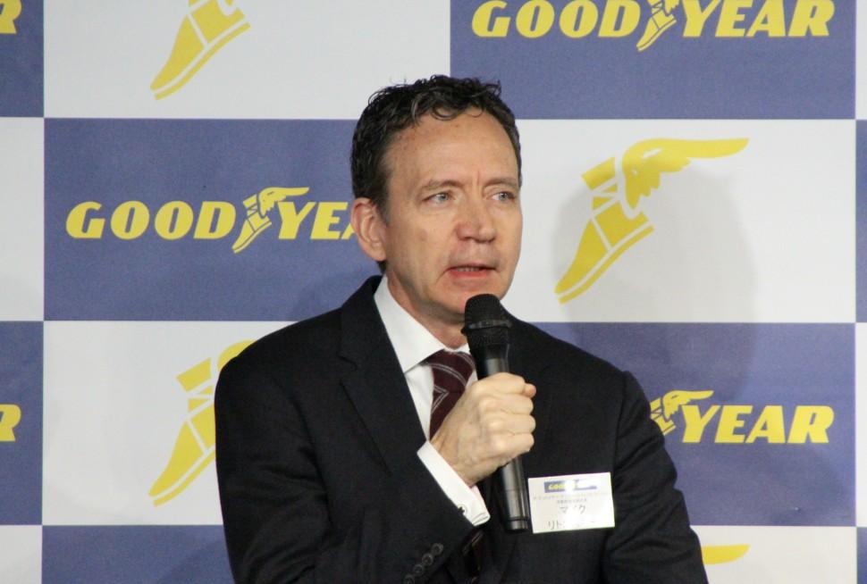 決算説明するマイク・リトコスキー アジア・パシフィック地区消費財担当副社長