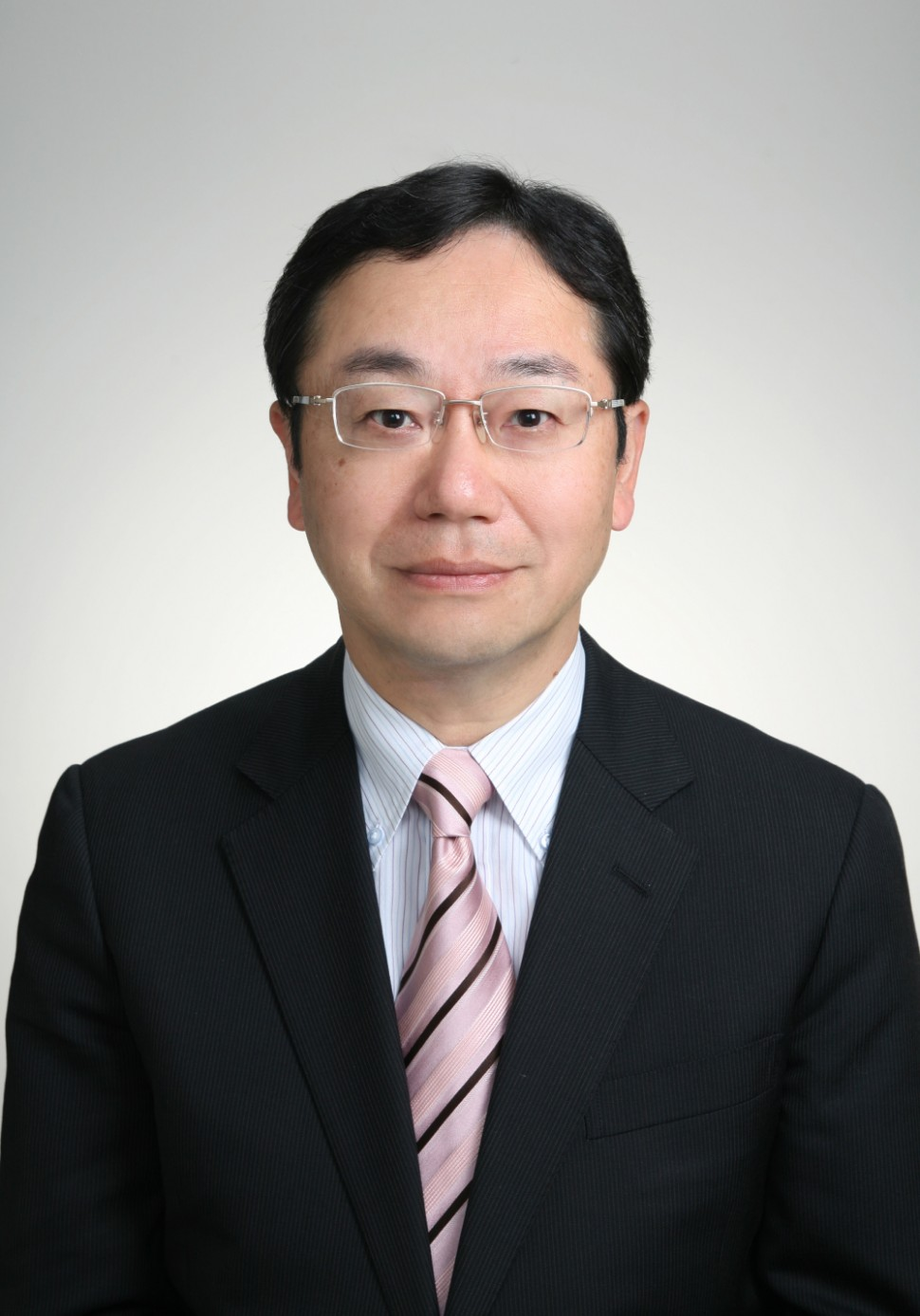 社長に就任する山本学取締役専務執行役員