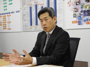 グローバル人材育成の必要性を語る、近藤社長