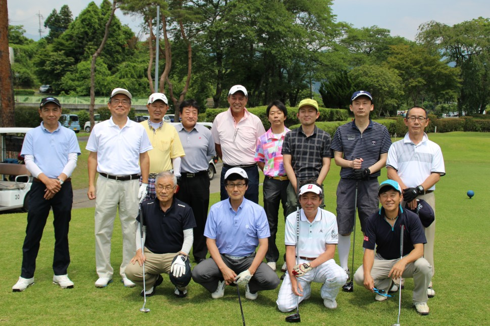 親睦を深めたゴルフコンペ