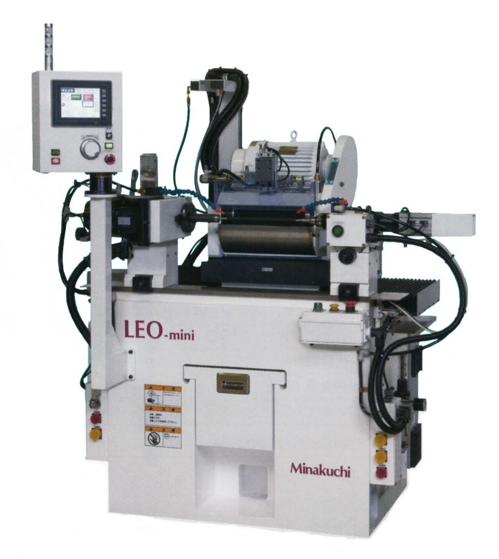LEO-mini-FS ゴムロール専用CNC円筒研削盤