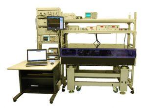 光周波数コム装置の外観