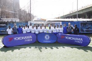 チェルシーFCが開催したサッカー教室での記念撮影