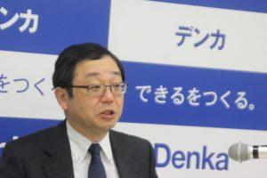 新中計を発表する山本社長