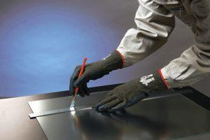 「安全性・耐久性」と「作業性」を両立した耐切創手袋「S-TEX581」