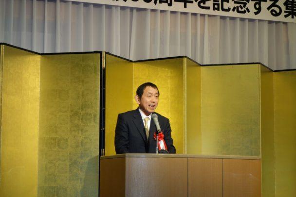 祝辞を述べる大阪ゴム工業会の山内一郎会長