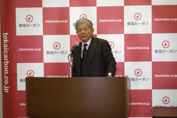 中計の進捗を説明する長坂社長