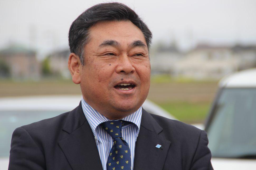 あいさつする増田本部長
